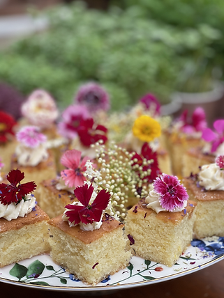 small edible flower cake top