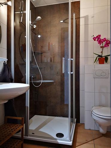 Dusche Haus 65.jpg