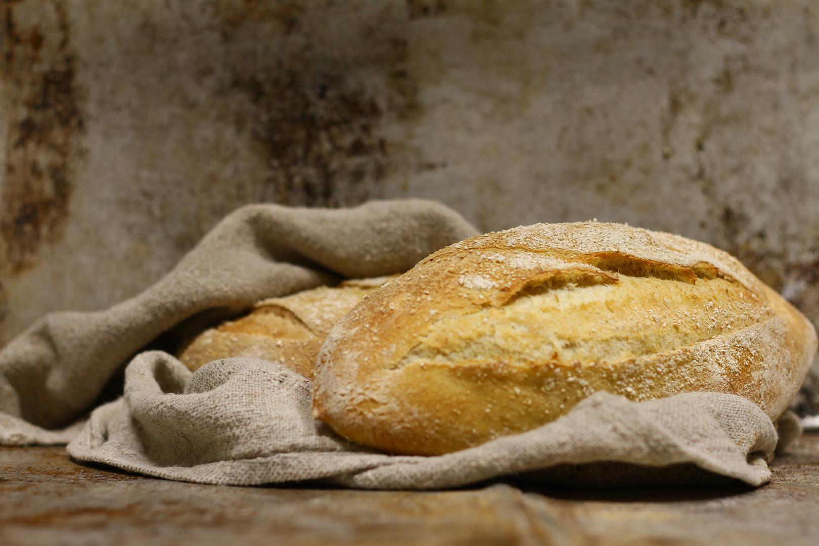 N'avetan herkulliset leivät! Juuren valmistettu kaura-vehnäleipä & sämpylät Juuren valmistettu ruisleipä Saarisolaisleipä Perunarieska