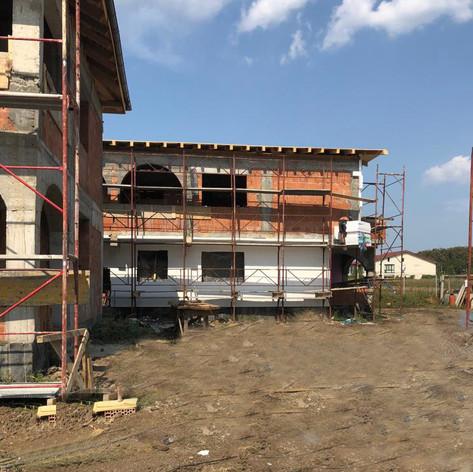 Town House Mogosoaia 2018-09-28 at 00.40.07.