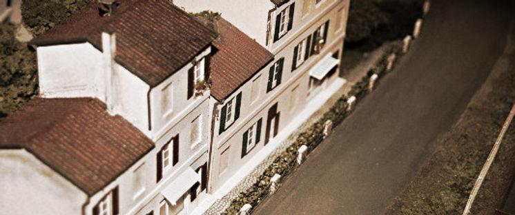 case,chiese,monumenti,fontane,ponti,muretti,stazioni,magazzini,rimesse,marciapiedi,caselli,gabinetti,cabine apparati,