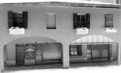 portico con negozi