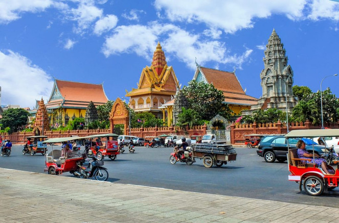 traffic-phnom-penh-cambodia-shutterstock