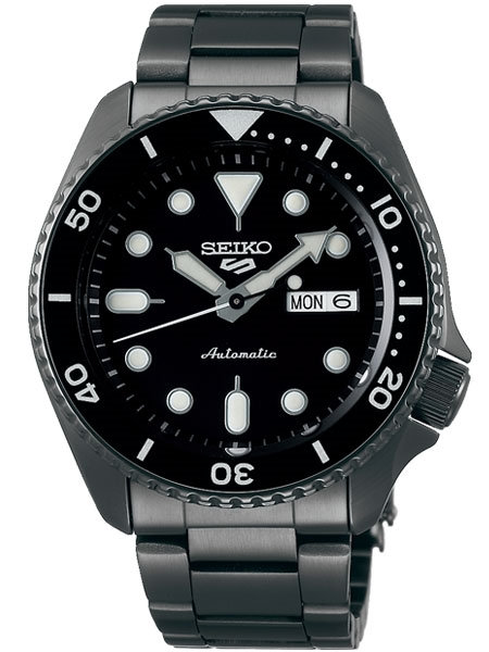SEIKO 5 SPORTS 24-JEWEL AUTOMATIC WATCH WITH BLACK DIAL AND BLACK PVD BRACELET
