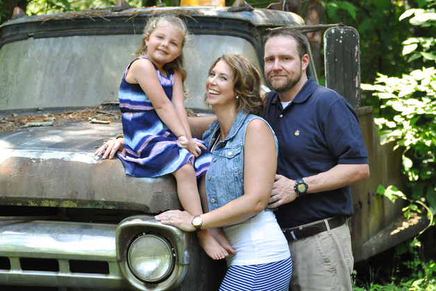 ASHLEY SERGE AND HER SWEET FAMIL, FALL FAMILY PHOTO SHOOT ON THE RUSTIC OLD VINTAGE RUSTY TRUCK