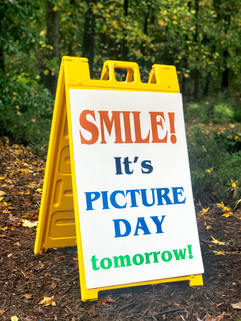 PICTURE DAY SIGN.jpg