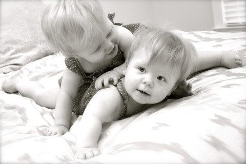 BENNETT BABY TWINS SIBLING PHOTOGRAPHY