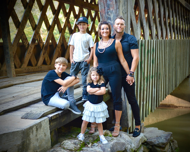 ALLIN FAMILY PHOTO SHOOT BY POOLES MILL, PRINCESS AND HER SUPER TRENDY BROTHERS