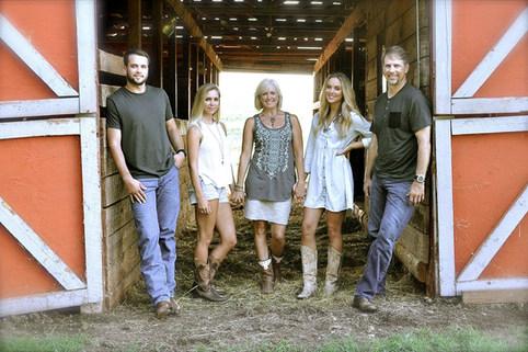 FREEMAN FAMILY PORTRAIT ON THE FARM