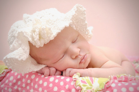 BEAUTIFUL CAROLINE LANIER NEWBORN PHOTO SESSION