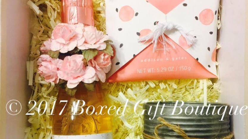 Matron of Honor/Maid of Honor/Bridesmaid Box