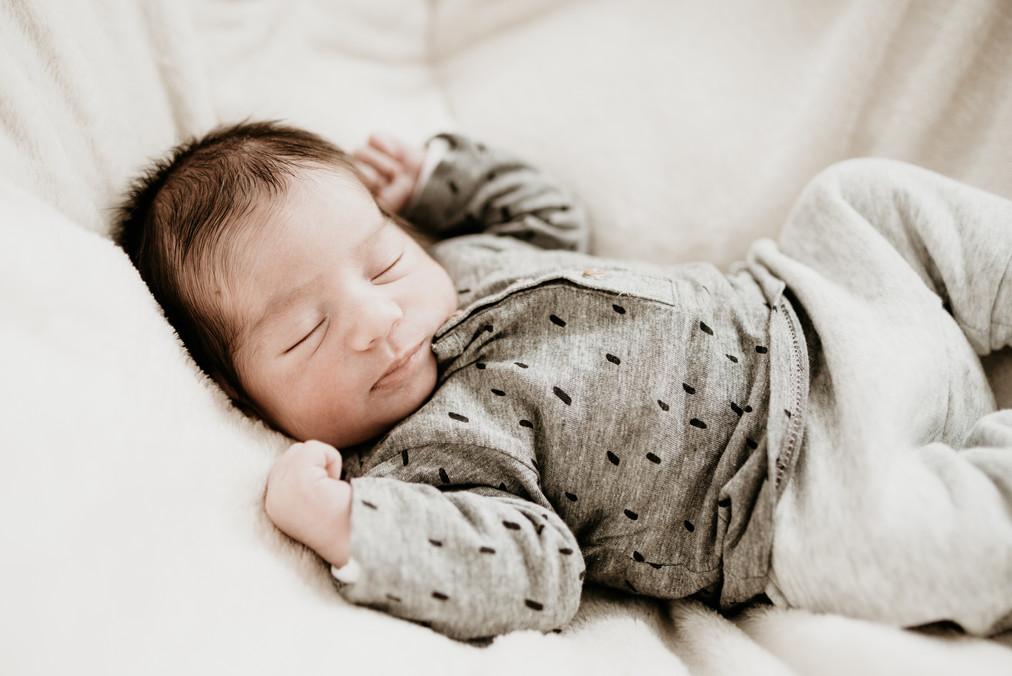 photographe nouveau-né Nyons
