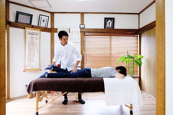 足立区竹ノ塚|鍼灸整体|宮島治療室| 変形性膝関節症治療|手術回避|膝の手術後遺症治療|ぎっくり腰治療|腰椎ヘルニア治療|脊柱感狭窄症治療|腰の手術回避|腰の手術後遺症治療