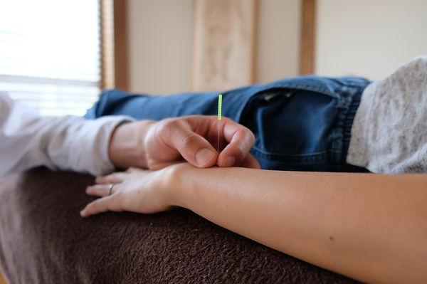 足立区竹ノ塚|鍼灸整体|宮島治療室| 変形性膝関節症治療|手術回避|膝の手術後遺症治療|ぎっくり腰治療|腰椎ヘルニア治療|脊柱感狭窄症治療|腰の手術回避|猫背調整