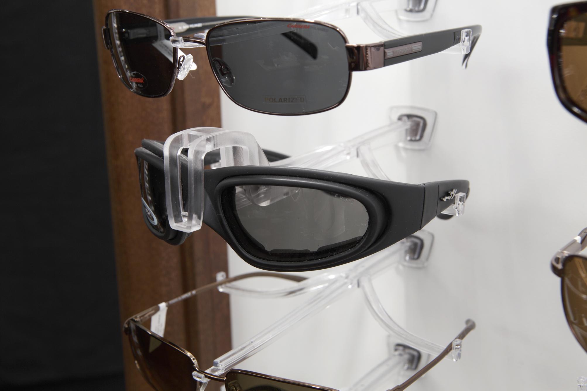 Smart Sunglass Locking Clip 1