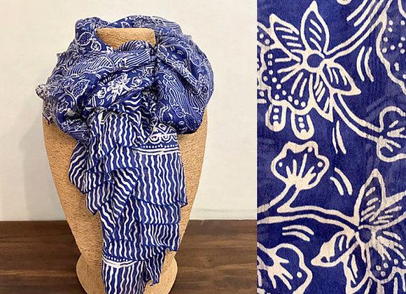 Grand Foulard en Soie Bleu