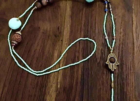 Collier Main de Fatima et Pompons Turquoises