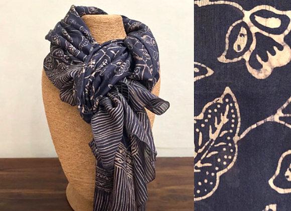 Grand Foulard en Soie Bleu Gris