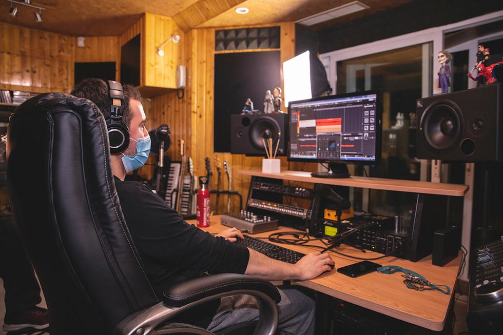 Leo (producer) Recording at Jotun Studio