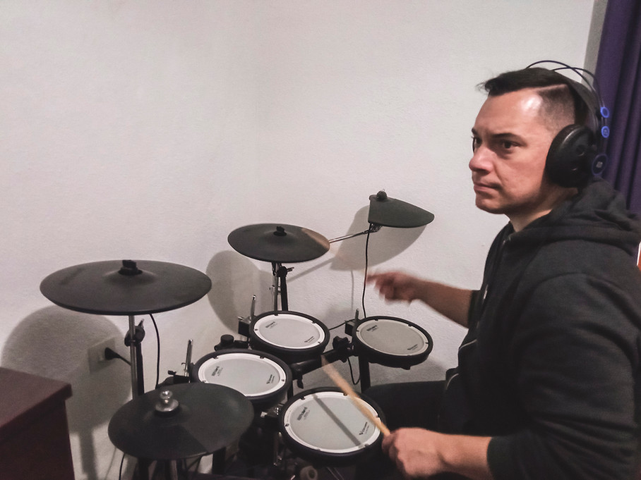 Dani (drums) Recording drums