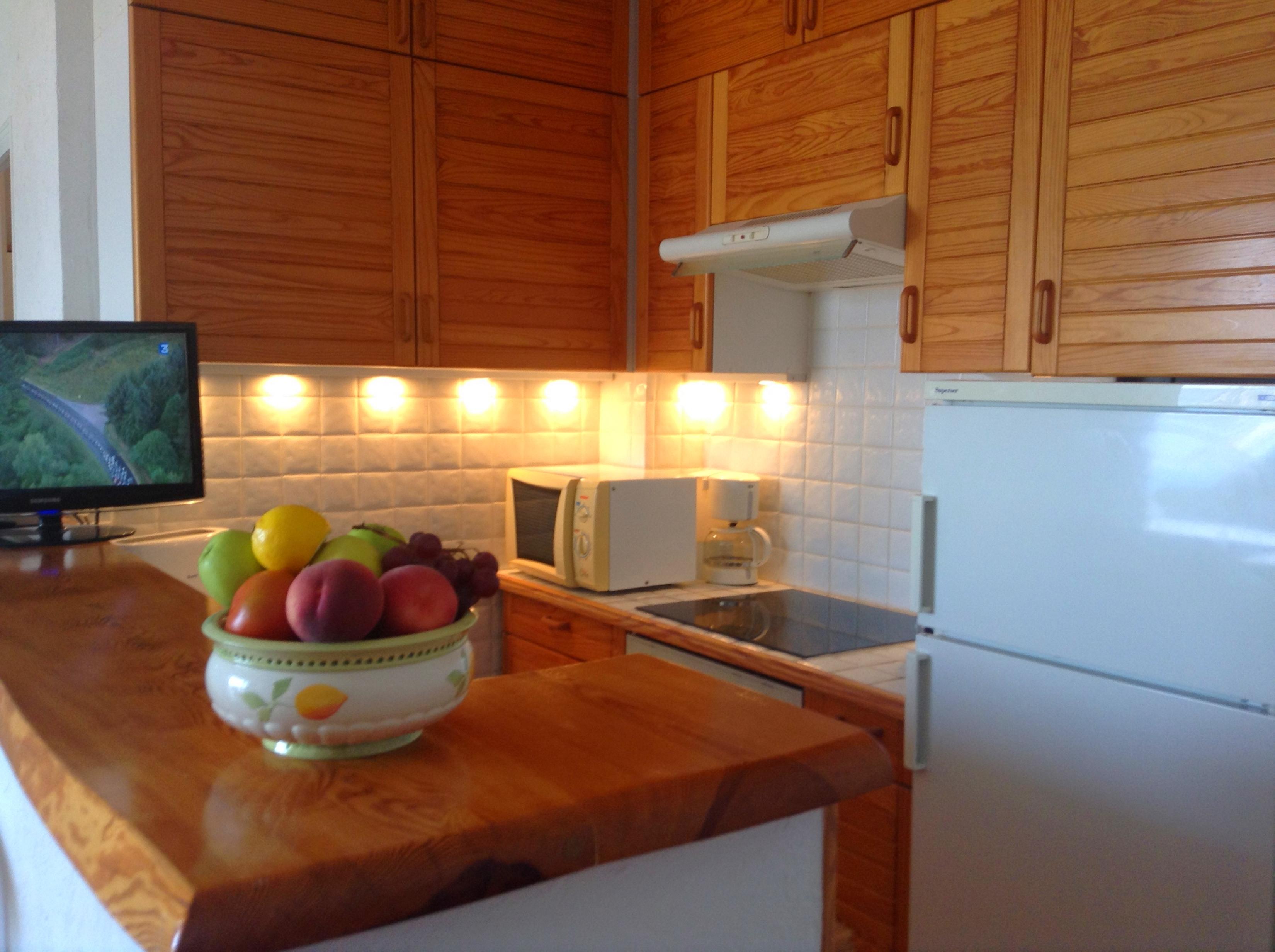 Asombroso Cocina Y Baño Avanzada Ct Ellington Bandera - Ideas para ...