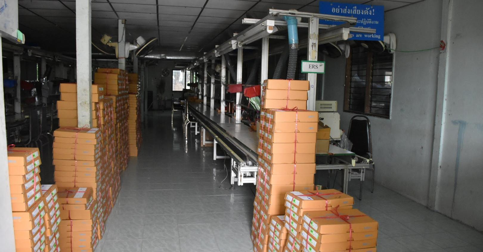 電子部品工場へ視察