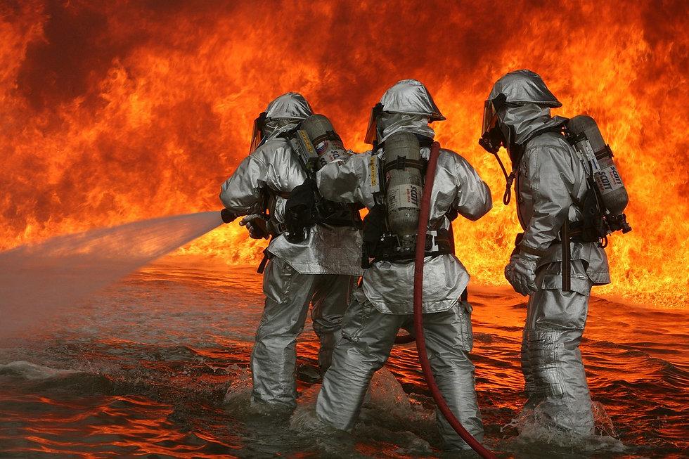 firefighter-593728_1280.jpg