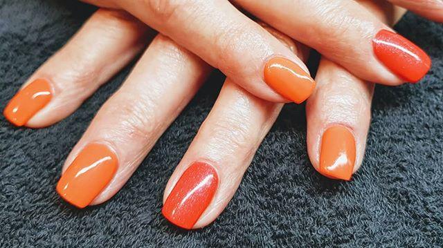 #nails #orangeNails #frischeFarbe #shimm
