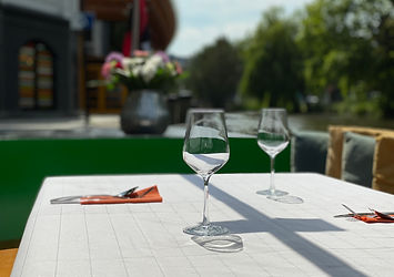 Floating Table Amsterdam, private dinnercruises on the Amsterdam Canals