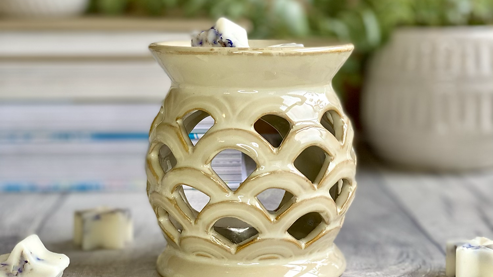 Sand Scalloped Wax and Oil Burner