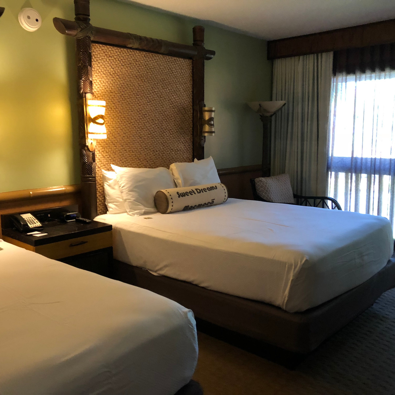 beds at Disney's Polynesian Village Resort