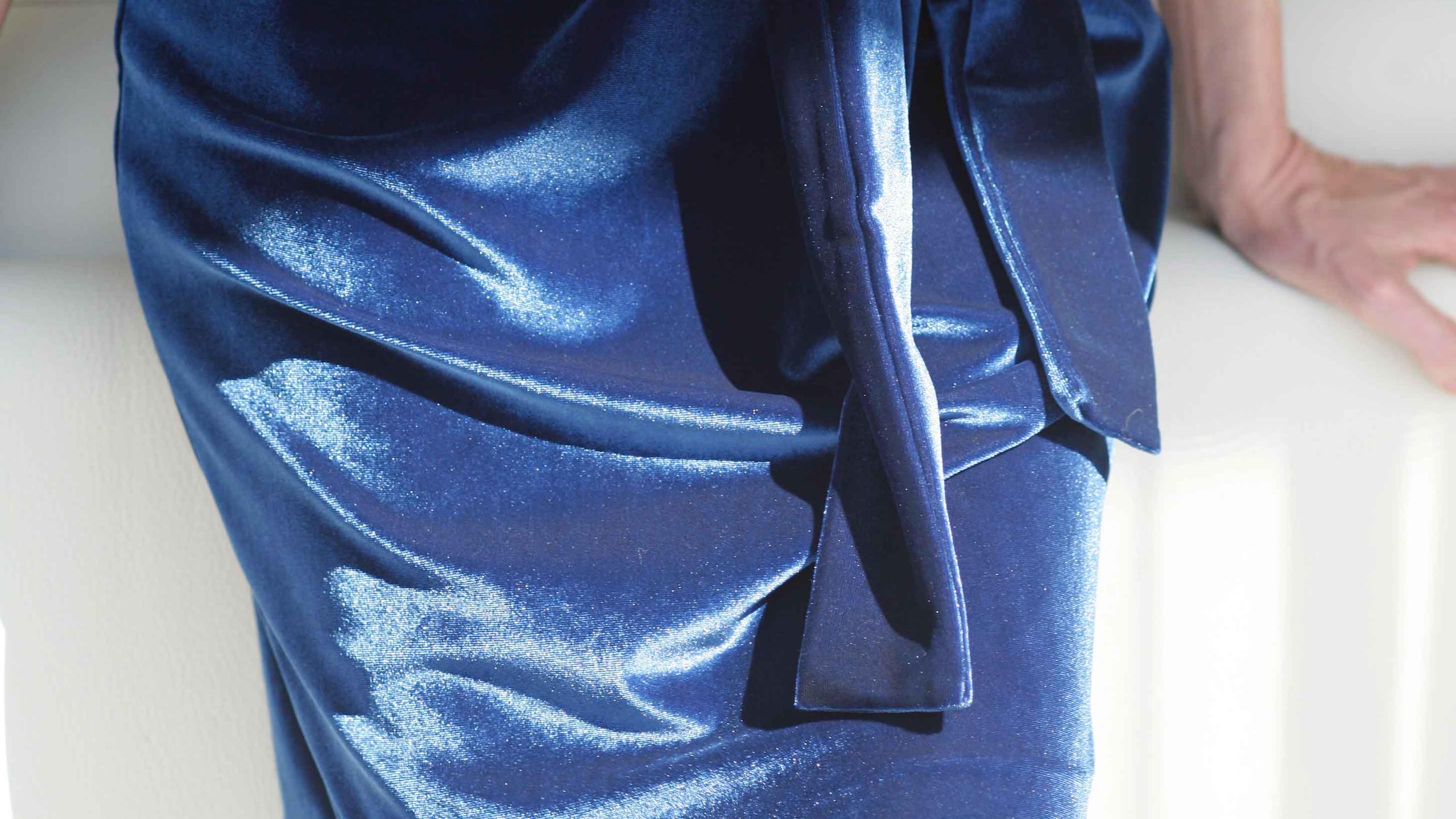 effetti iridescenti sul velluto blu