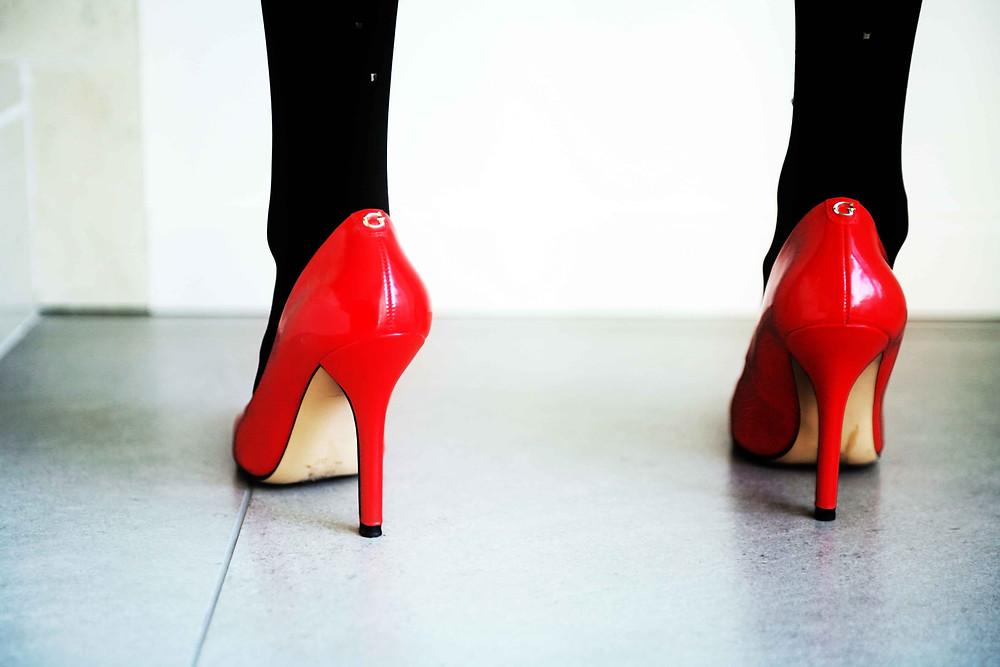 scarpe in vernice rosso lacca