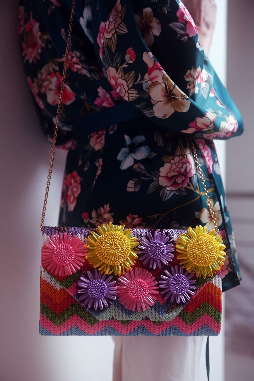borsa floreale in rafia