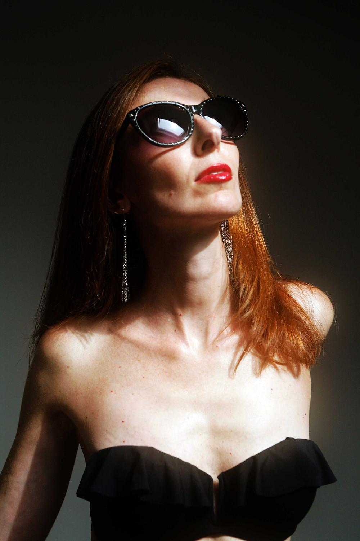 sunglasses con borchie