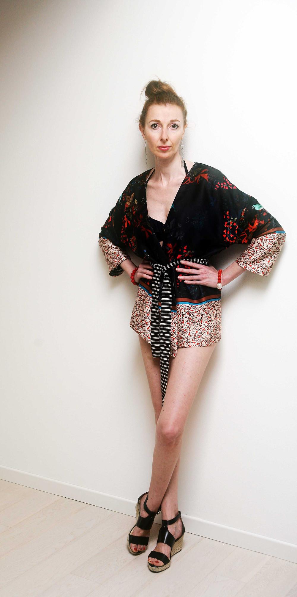 kimono con bikini nero
