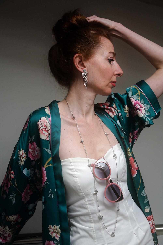 kimono con mini abito bianco