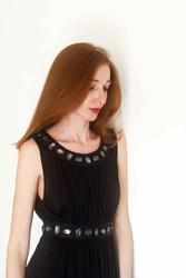 black dress stile impero con dettagli preziosi