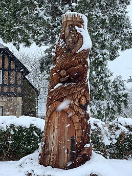 The Ridge, Yate, tree carving in the snow