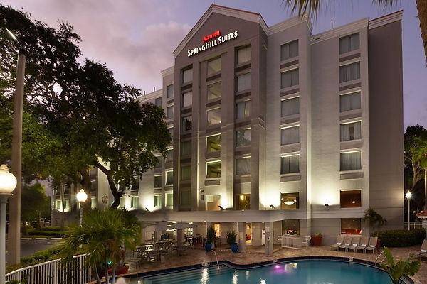 Exterior hotel.jpg