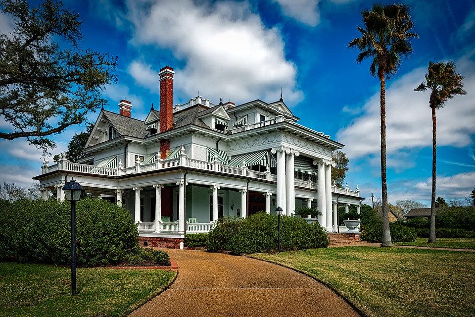 5,501 - 6,000 SF Home