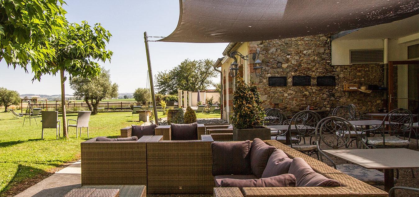 le pavillon du ch teau hotel de charme avec spa toulouse albi. Black Bedroom Furniture Sets. Home Design Ideas