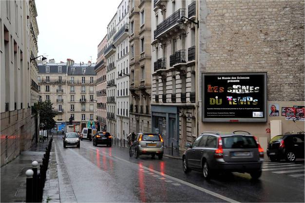 Les Signes du Temps - Mise en situation Affichage Rue 4x3