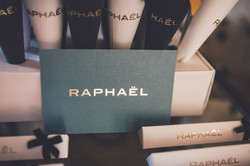 RAPHAEL-7471