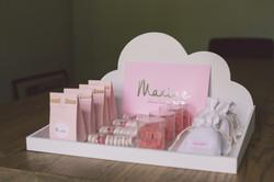 Maxine-7915