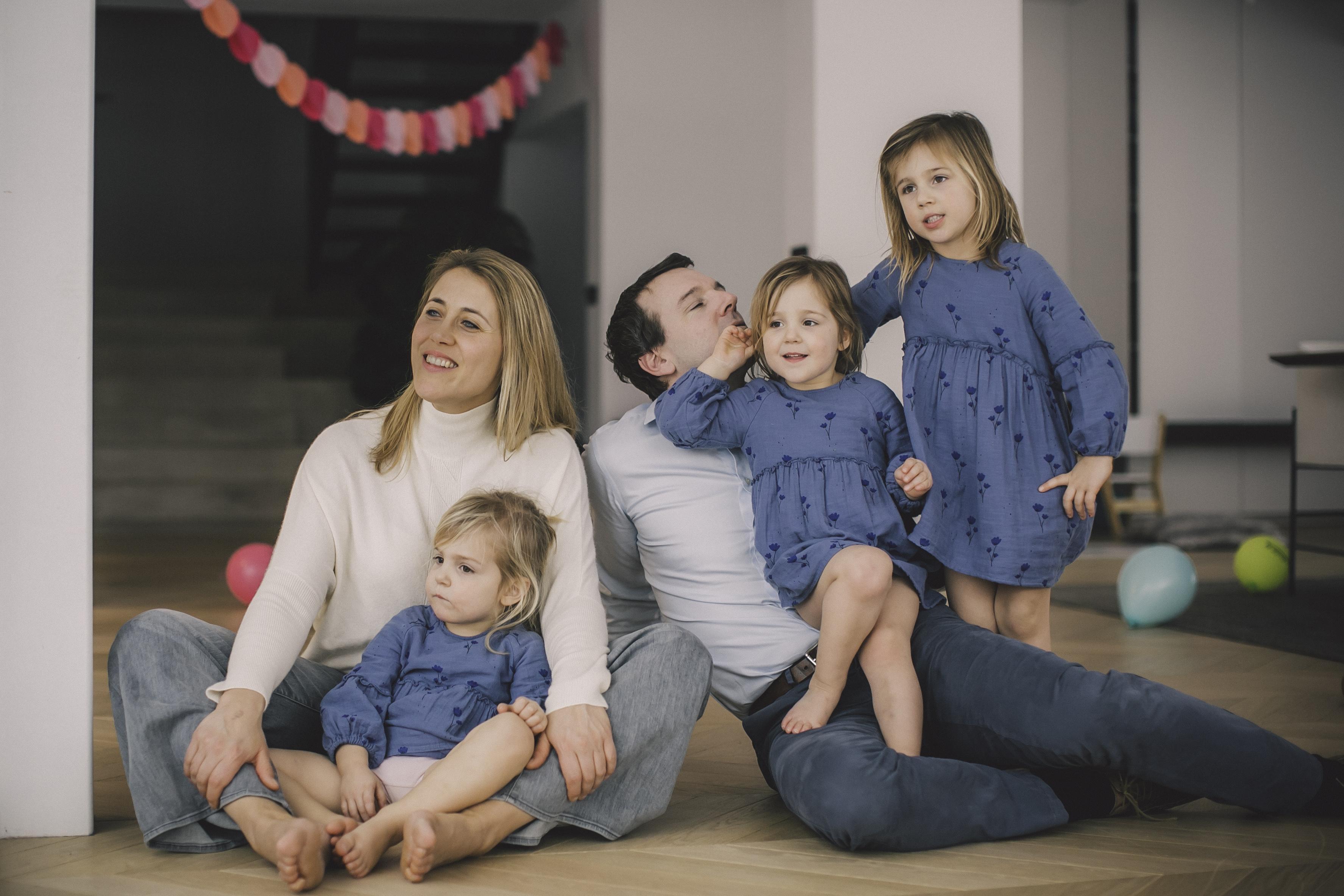 FAMILIE PETRE -90