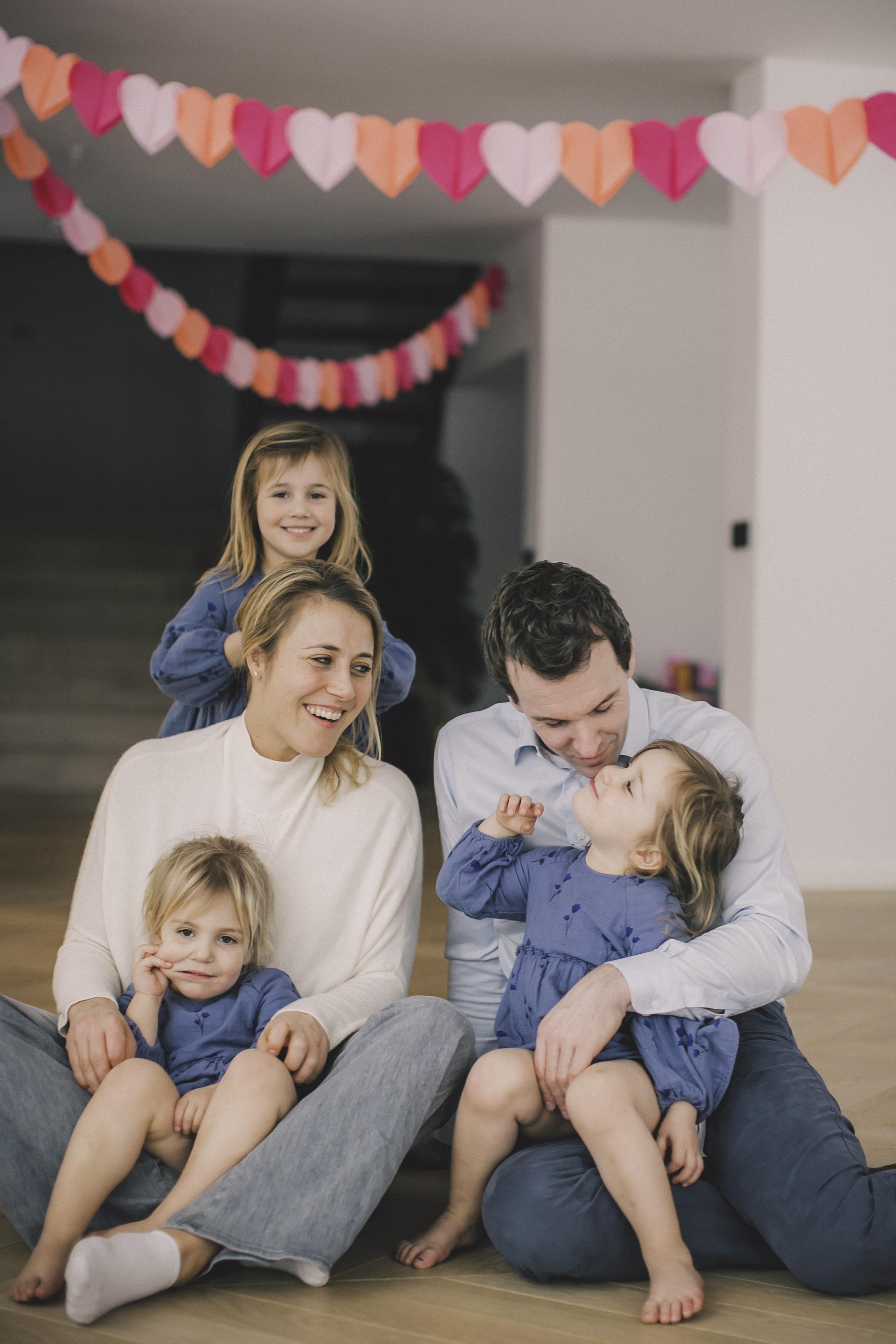 FAMILIE PETRE -85