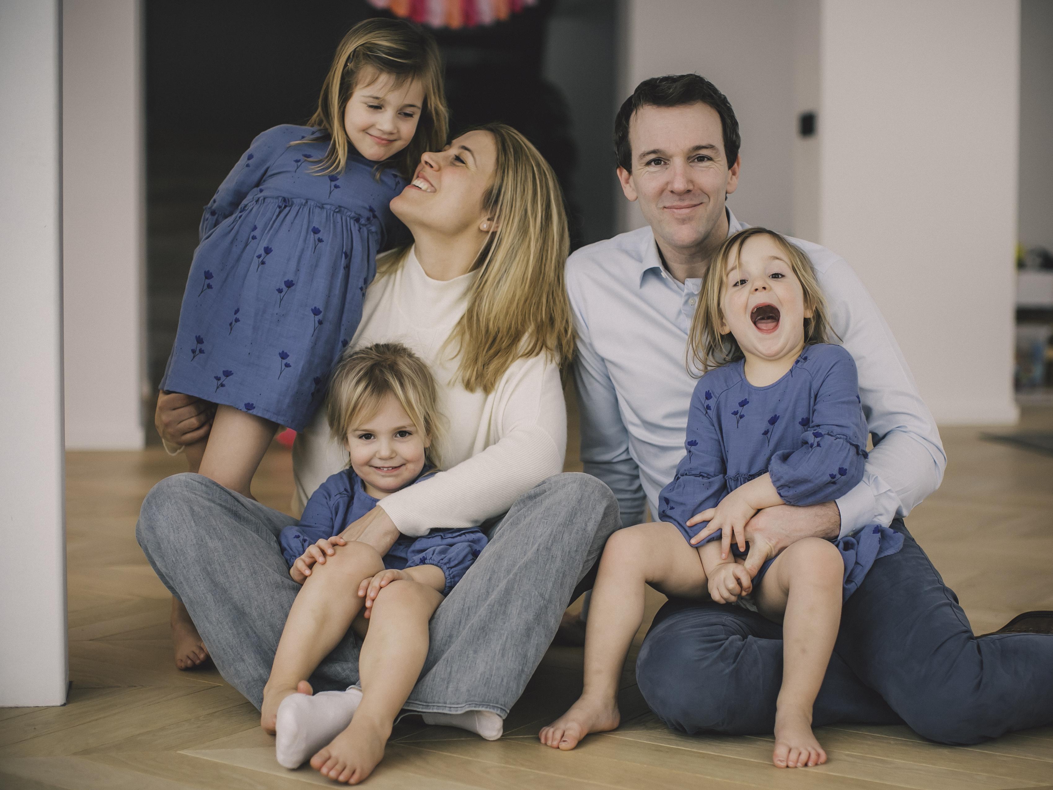 FAMILIE PETRE -80