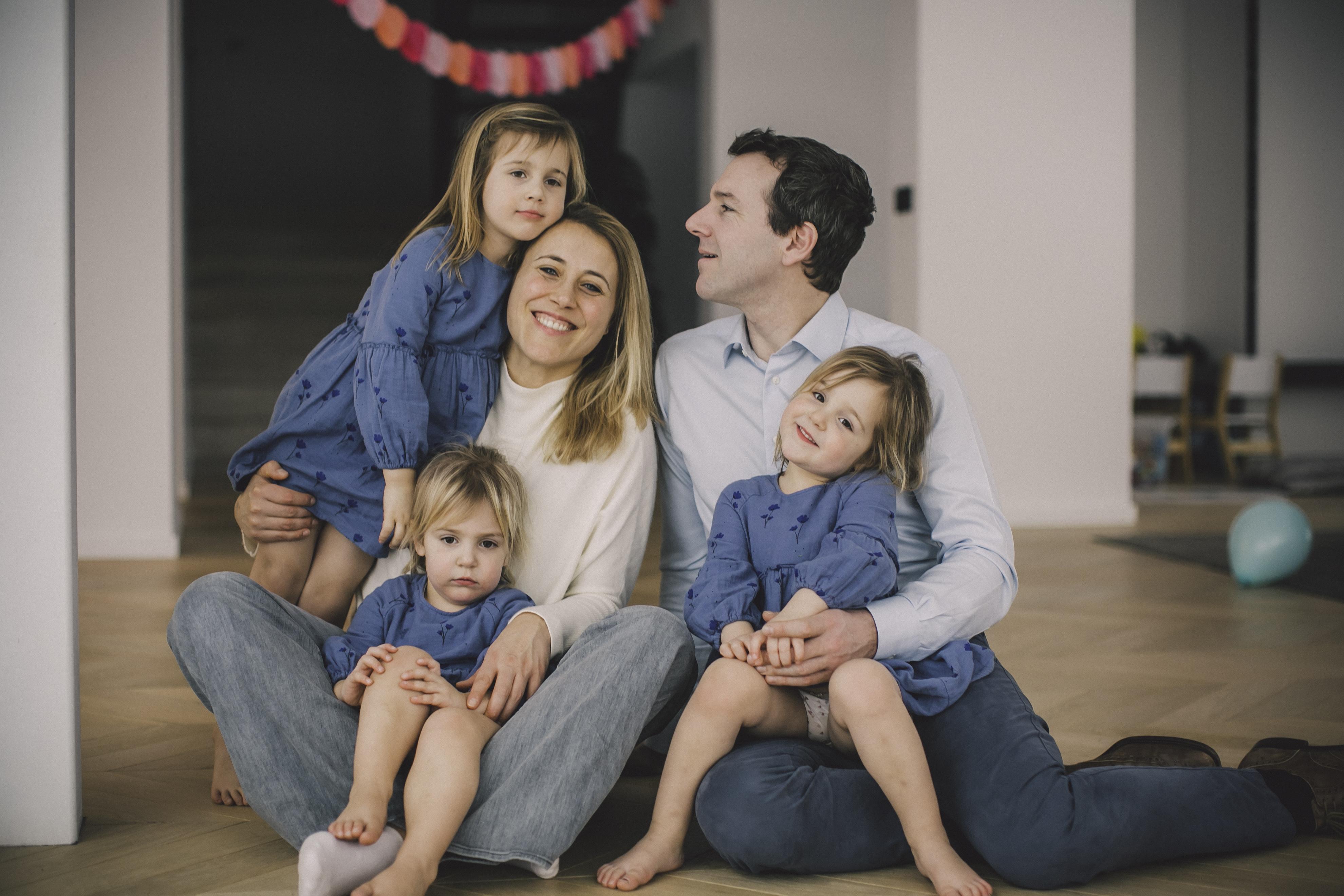 FAMILIE PETRE -79