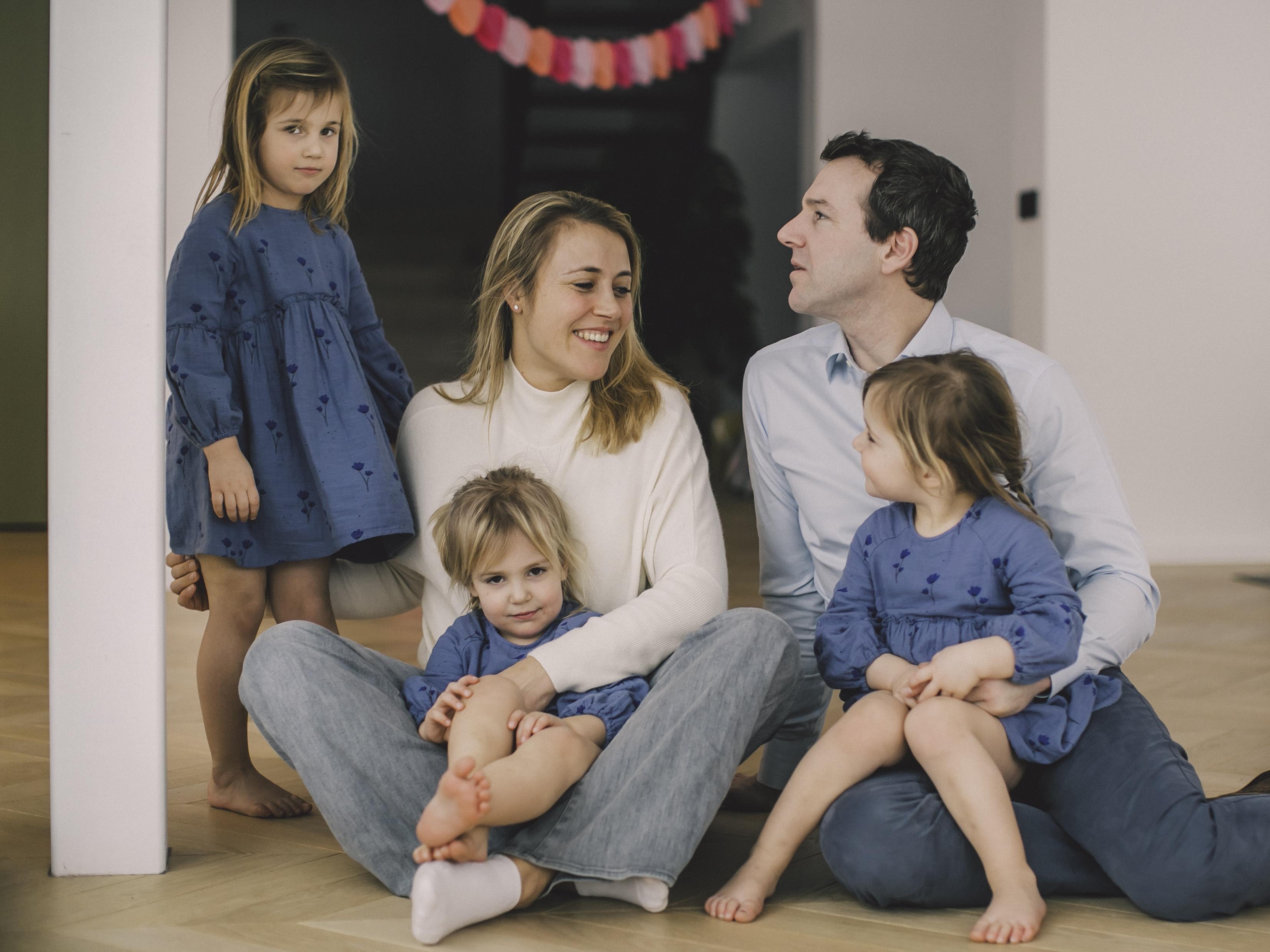 FAMILIE PETRE -82